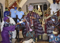 Ayangbure Empowers 140 Traders, Artisans With Free Interest Loan To Mark 5th Coronation Anniversary